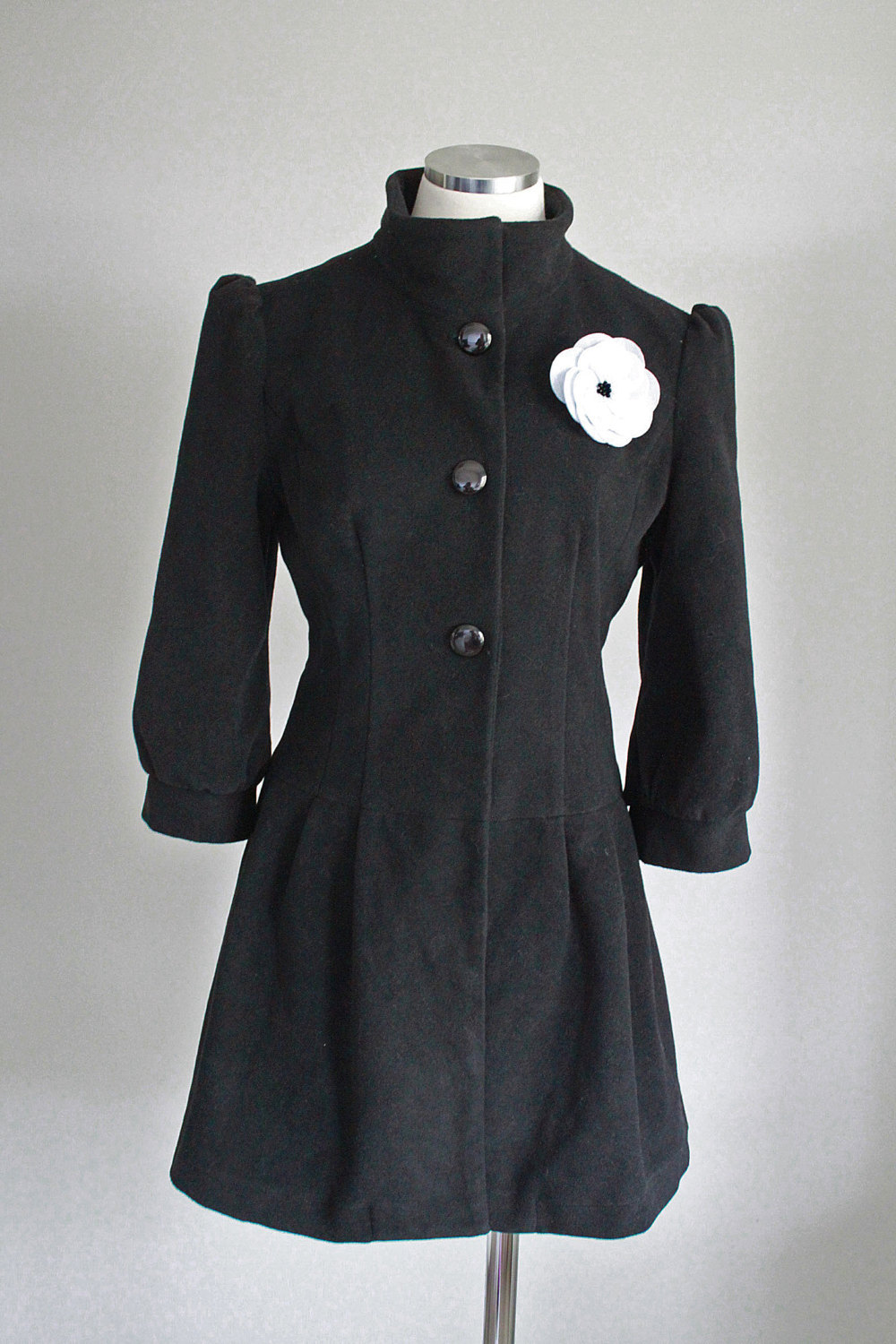 1940s Vintage Replica Black Steampunk Coat with White Flower Brooch