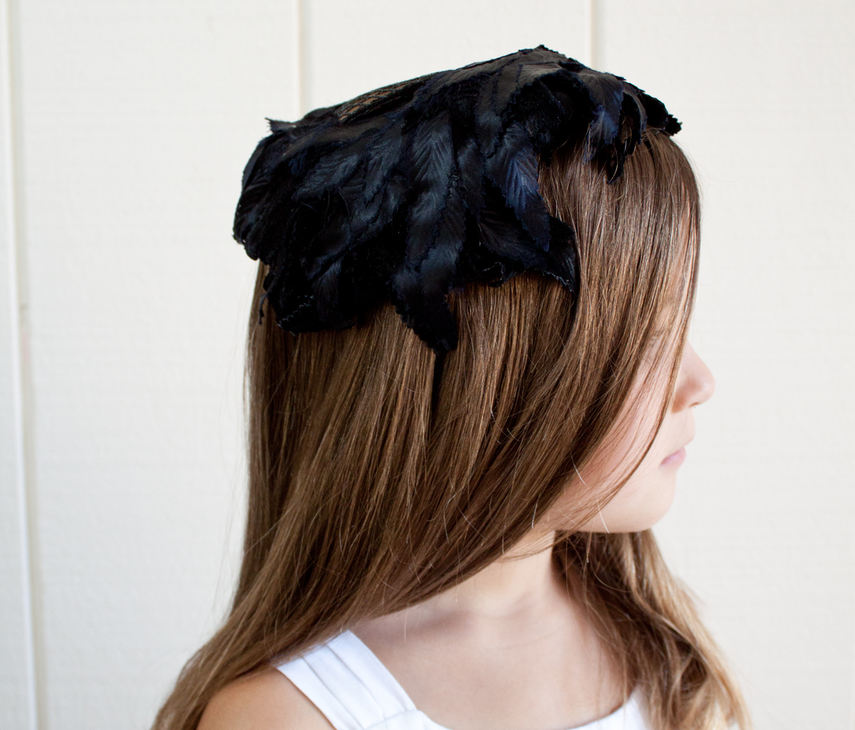 Black Leaf Style Hat w:Feather Back 1