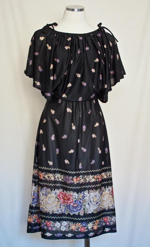 1970s Floral Zip Up Dress 1