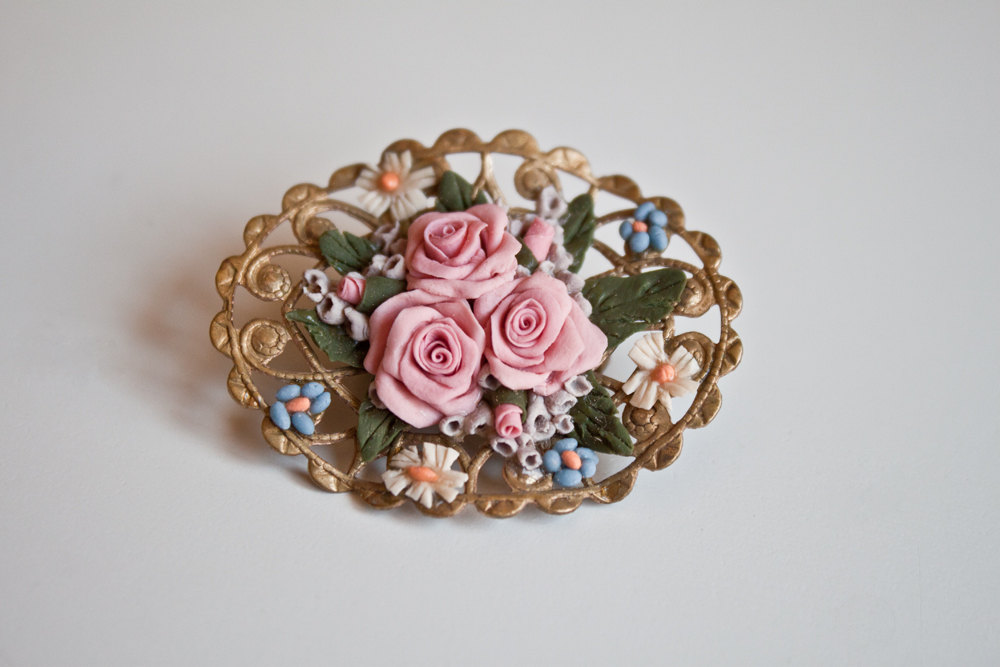 1950s Vintage English Floral Bone Gold Filigree Farmhouse Style Brooch