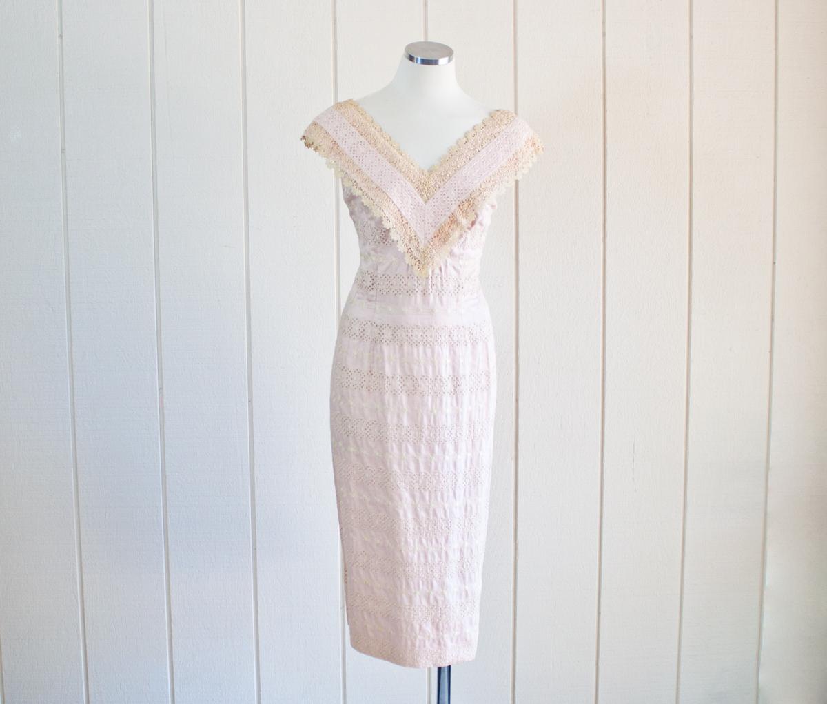 1950s Pink Lace Wiggle Dress 1
